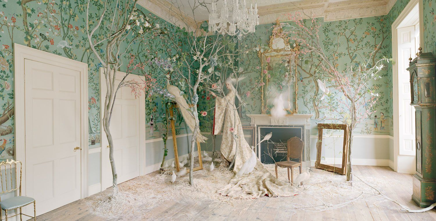 How de Gournay Crafts Hand-Painted Wallpapers of I