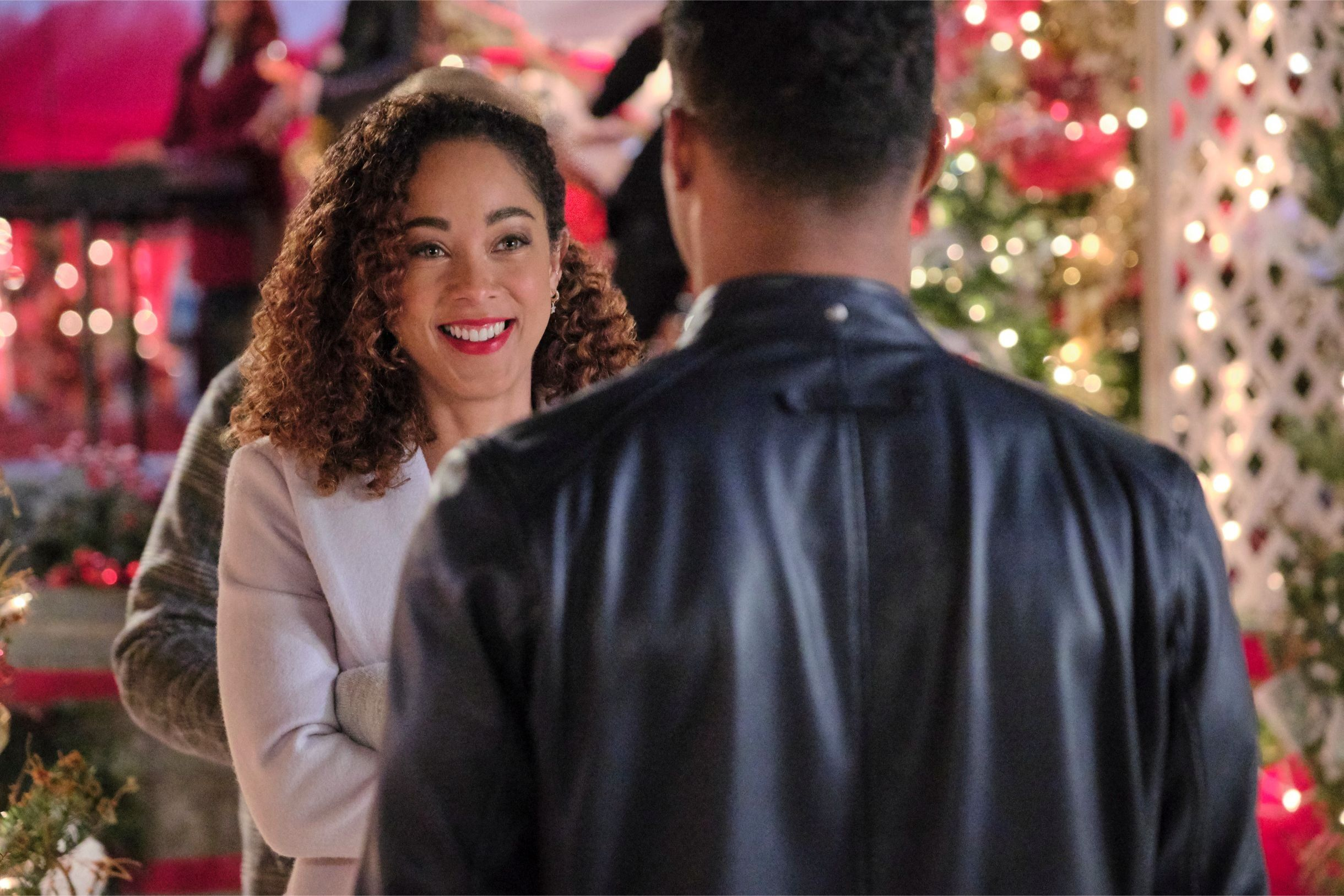 Watch An Exclusive Clip Of Hallmark S Upcoming Holiday Movie A Christmas Duet Christmas Duets Holiday Movie Duet