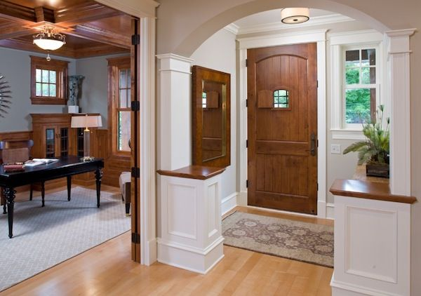 Maximizing Storage Space In Your Small Front Entry Foyer