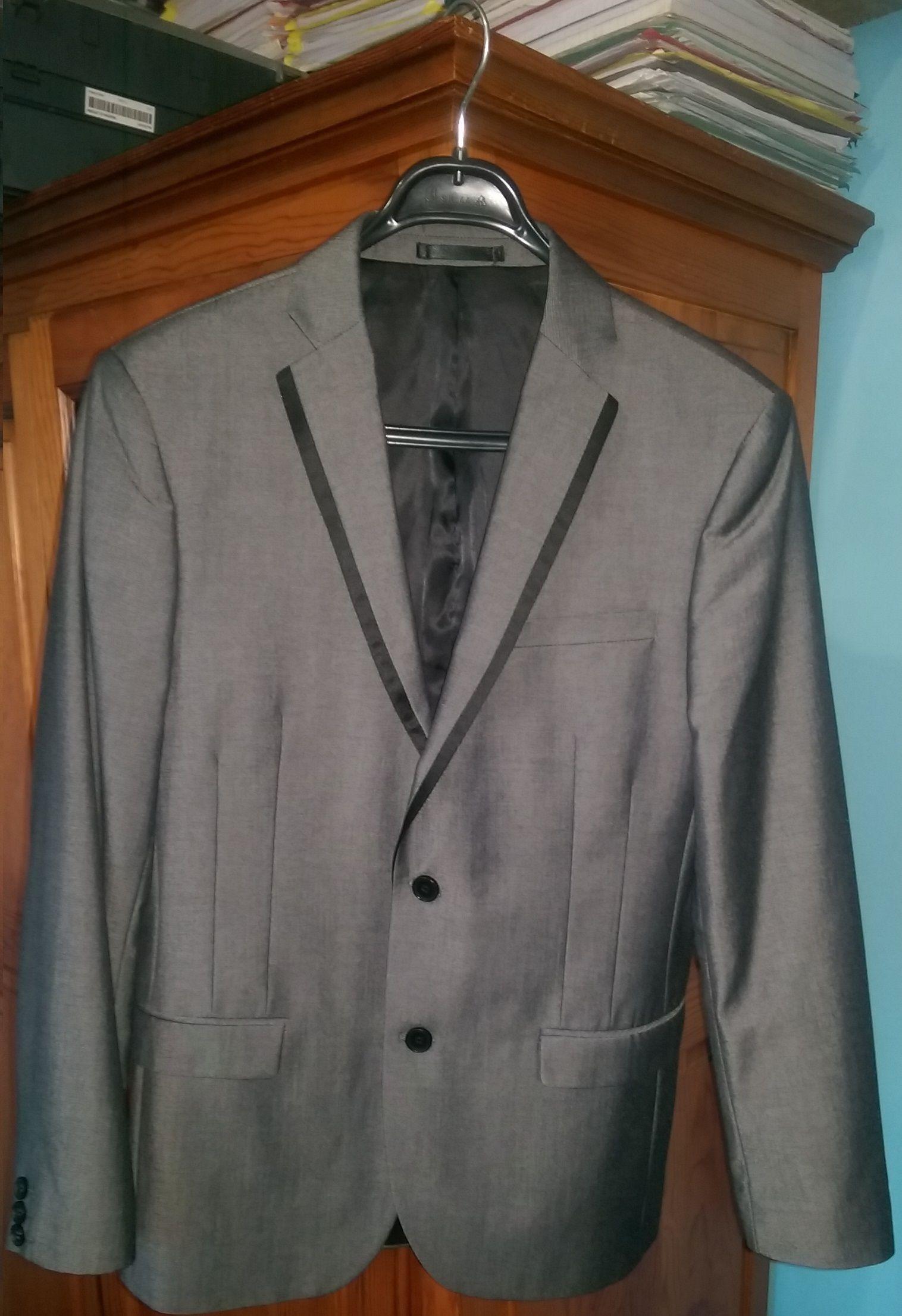 Veste de costume Célio Club cintrée Gris anthracite - Fermeture par 2  boutons Taille 48 10b7d2f88dc7