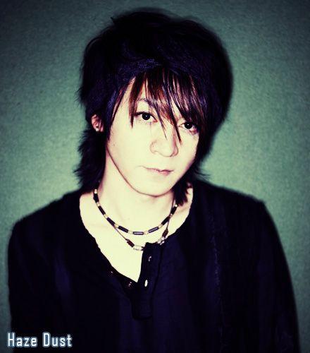 yeah+yeah~+:+[b]Miembros+del+Fan+Club+~+Haze+Dust[/b]  1.+Saku 2.+Hydeta 3.+Kei 4.+Hayu 5.+Nery 6.+DaiHeav 7.+Drakk 8.+Tiqui 9.+Sakuno+Takarai 10.+Liz-ciel 11.+Deisy 12.+Gabyta 13.+Jin 14.+Chivi 15.+Haitsuki  Club+dedicado+a+Kazuhito+Iwaike+(K.A.Z)+,+actual+miembro+de+Oblivion+Dust+y+VAMPS __________________________________________________________  continuo+con+la+info!!!  [b]Informacion+acerca+de+K.A.Z[/b]  Créditos:+Wikipedia + Para+el+alubm+Faith+(tercer+albu