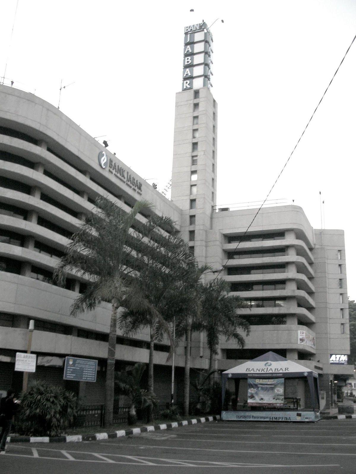 Gedung Kantor Pusat Bank BJB, Megah dengan Gaya Streamline ...