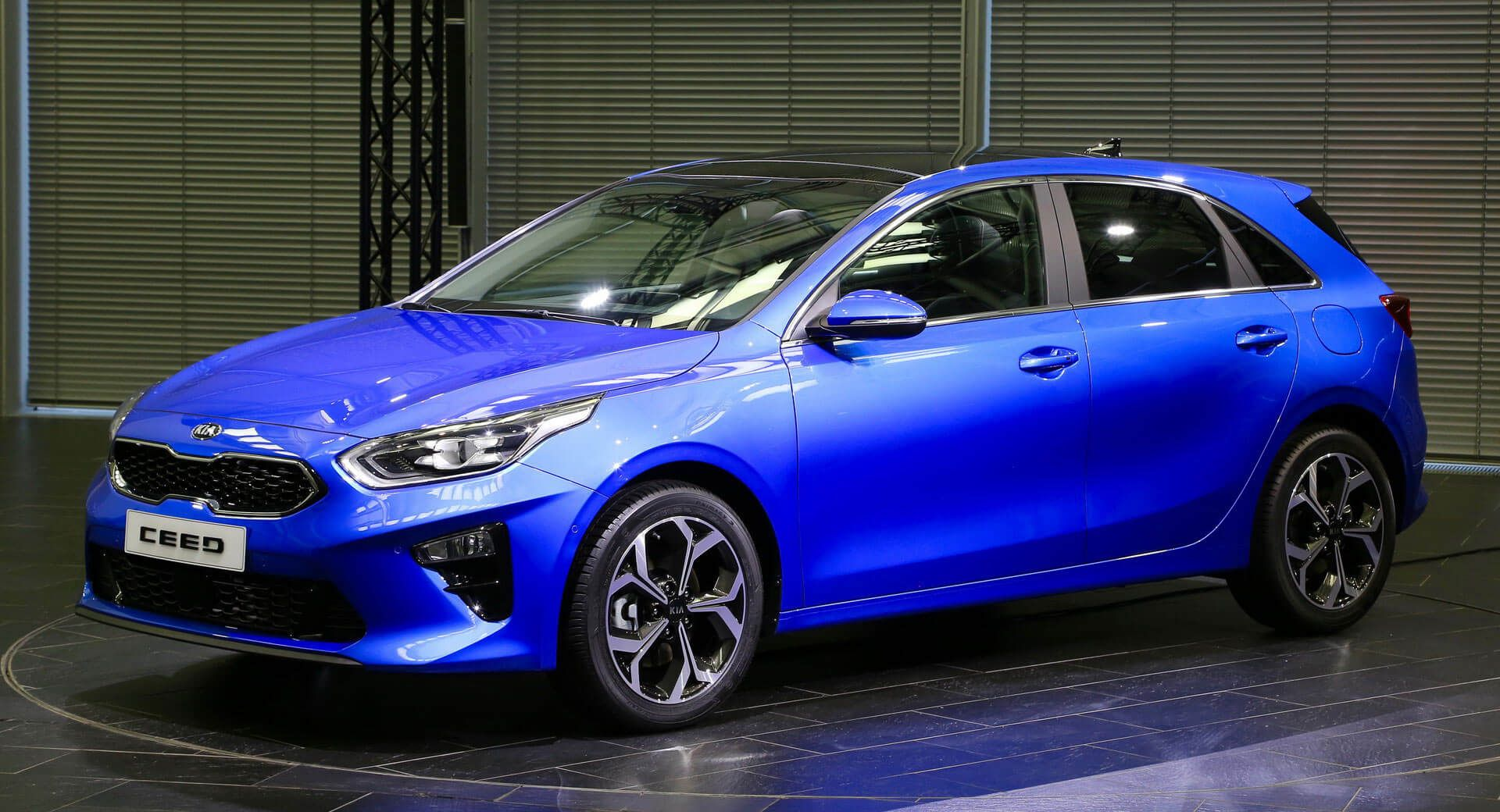 All New Kia Ceed Hatch Arrives In Geneva To Start A Fight With The Golf Carscoops Kia Ceed Kia Rio Kia Forte