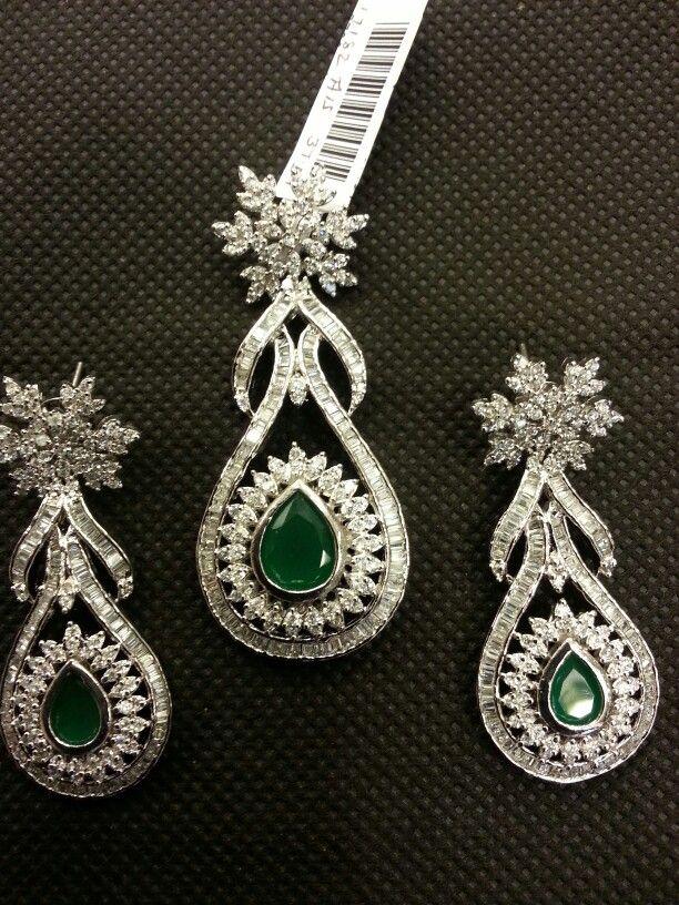 White zirconia, emerald, pendant set