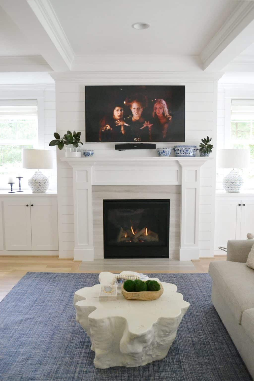 Mantel Decor With A Tv 6 Ways To Pull It Off In 2021 Blue And Green Living Room Home Living Room Green