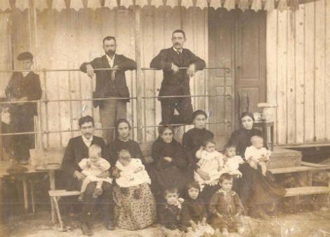 """A Guarda,fachada Casa de Baños """"La Iniciadora"""" no porto frente a praia de Aldramán"""