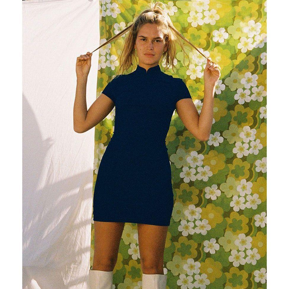 An Ode To The 60s Shift Dress Shift Dress Dresses Dress Silhouette [ 975 x 975 Pixel ]