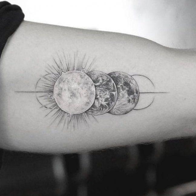 sch  nes geometrisches Tattoo         M R k tattoo     #tattoo #tatstherapy #Tattoos #Tattoosquotes - Best Tattoos -
