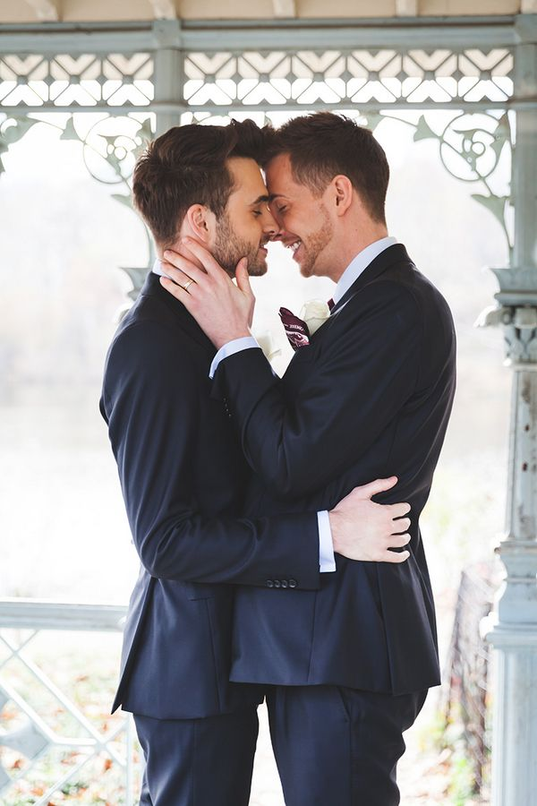 35 Emotional Photos that Prove Love Wins | LGBT Weddings | Cute gay  couples, Cute gay, Gay couple
