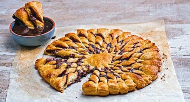 Easy 97.2 | Σφολιατίνια με πραλίνα σοκολάτας και ντιπ σοκολάτας από την Αργυρώ!