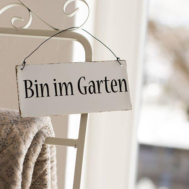 Herrlich Dieses Fruhlingswetter Schon Wenige Sonnenstrahlen Im Gesicht Tun Doch Einfach Gut Binimgarten Instagram Lettering Fonts Lettering