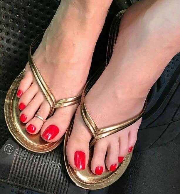 Sexy Sandals, Sexy Heels, Red Pedicure, Beautiful Shoes, Foot Toe, Flip 6561dbeaedd