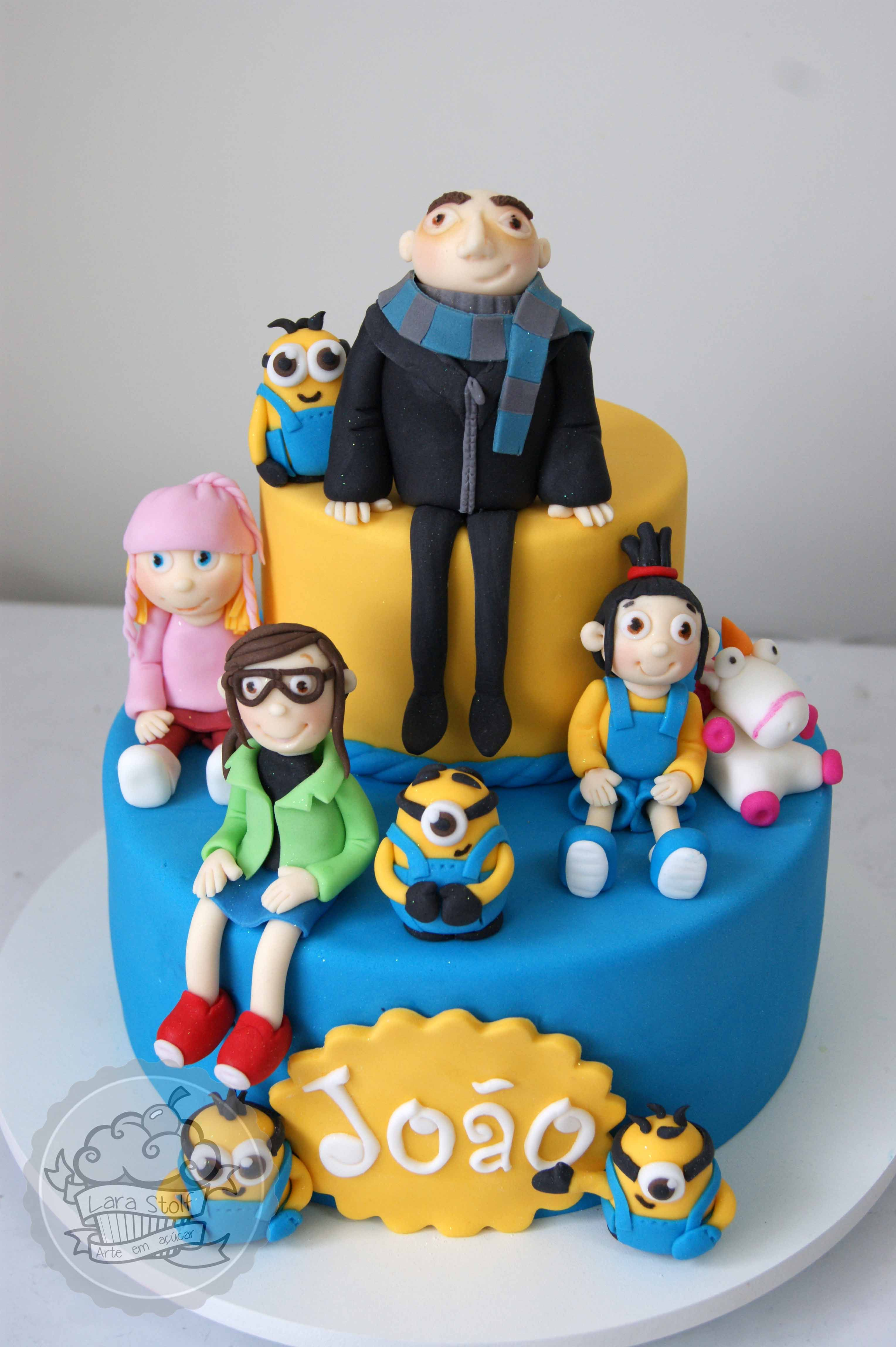 Despicable Me Cake With Gumpaste Cake Toppers Gumpaste Cake