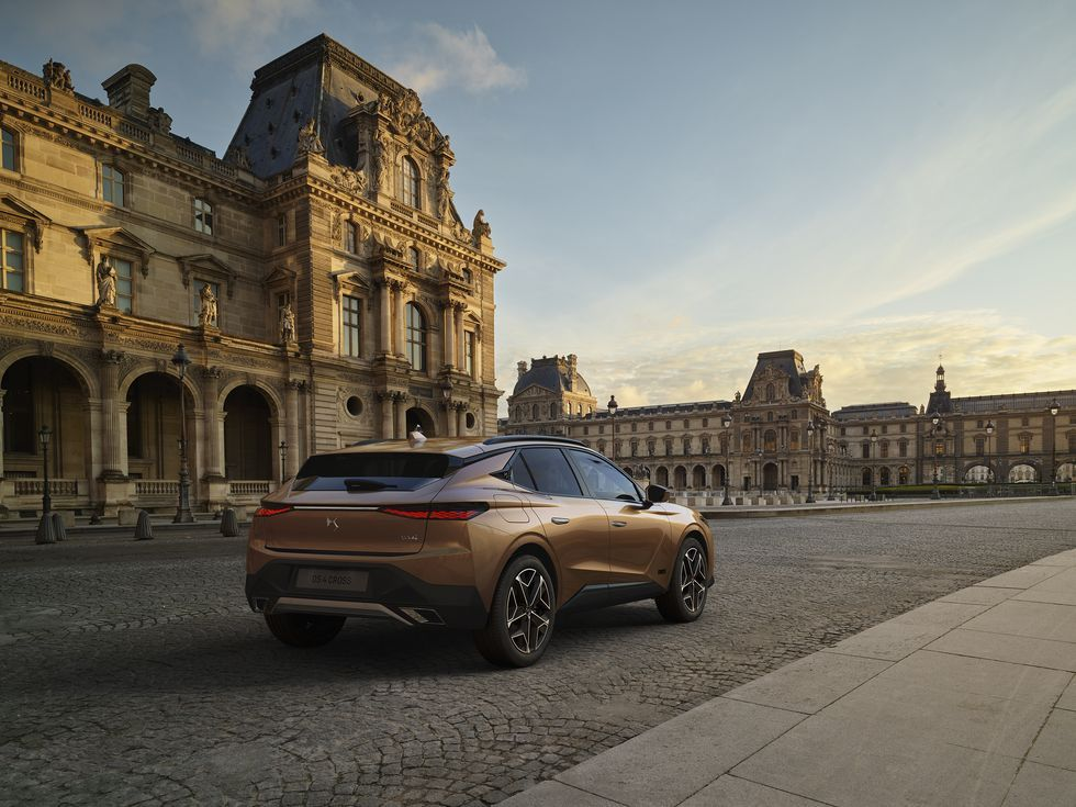 Ds 4 From French Premium Brand Adds Class To Stellantis Lineup In 2021 Mercedes A Class Mercedes Benz Models Benz A Class