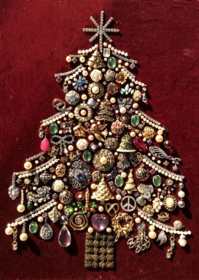 507 Best Art Made With Jewelry Vintage Jewelry Crafts Old Jewelry Crafts Costume Jewelry Crafts