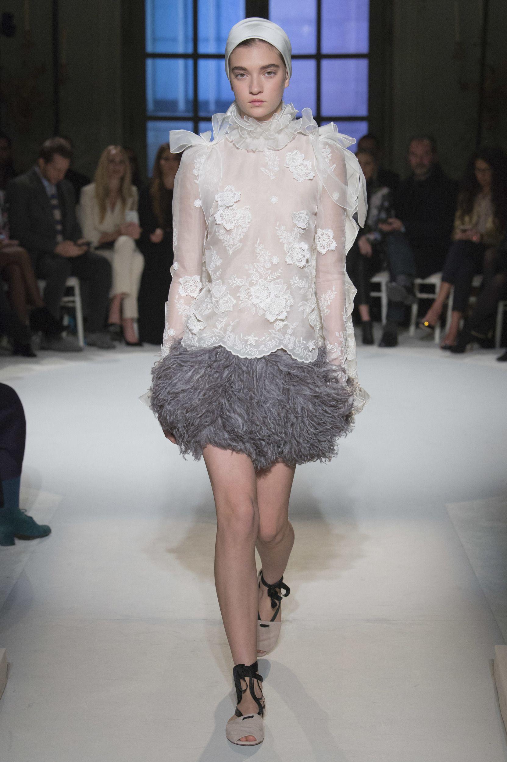 Giamattista Valli Haute Couture Spring 2017 Photo: Courtesy  via @AOL_Lifestyle Read more: https://www.aol.com/article/lifestyle/2017/01/25/ralph-and-russo-a-mystical-transformation/21662914/?a_dgi=aolshare_pinterest#fullscreen