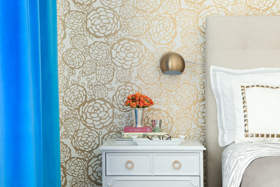 Wallpaper Jess Lively's Chicago Apartment Bedroom Home