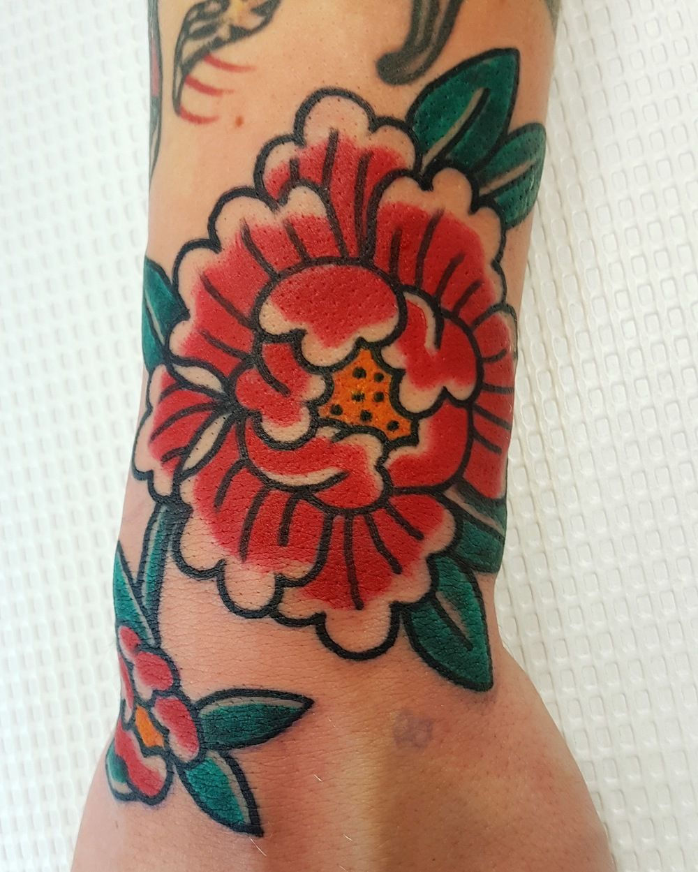Traditional Flower Tattoos: Pin By Victoria Reyes On Floral Ink Ideas