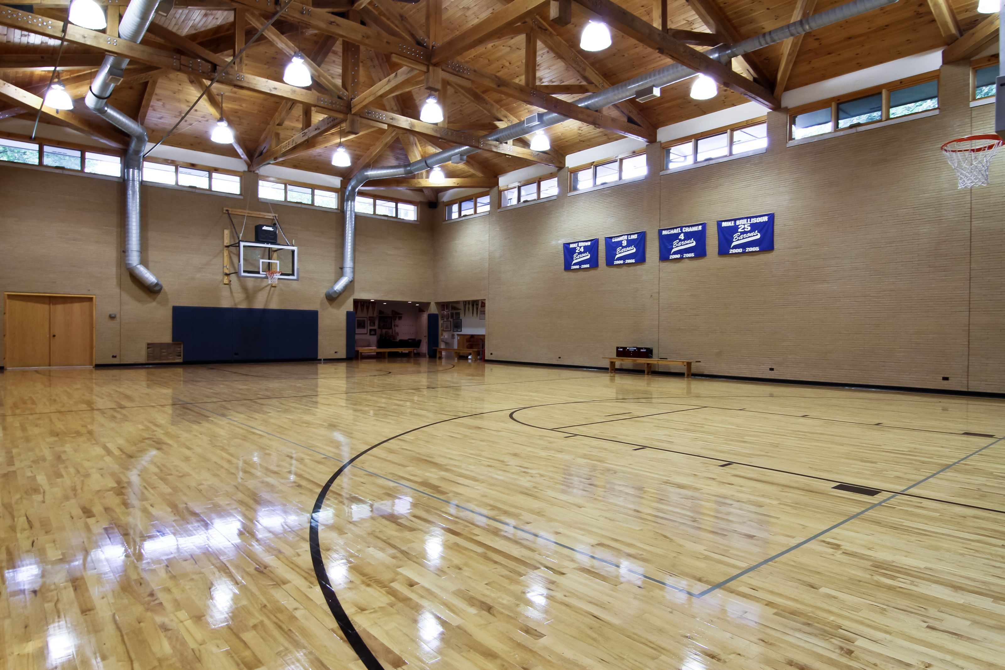 Private Basketball Court At 6300 S Elm St Burr Ridge Also Includes A Locker Room For The Modest Price Indoor Basketball Court Indoor Basketball Dream House