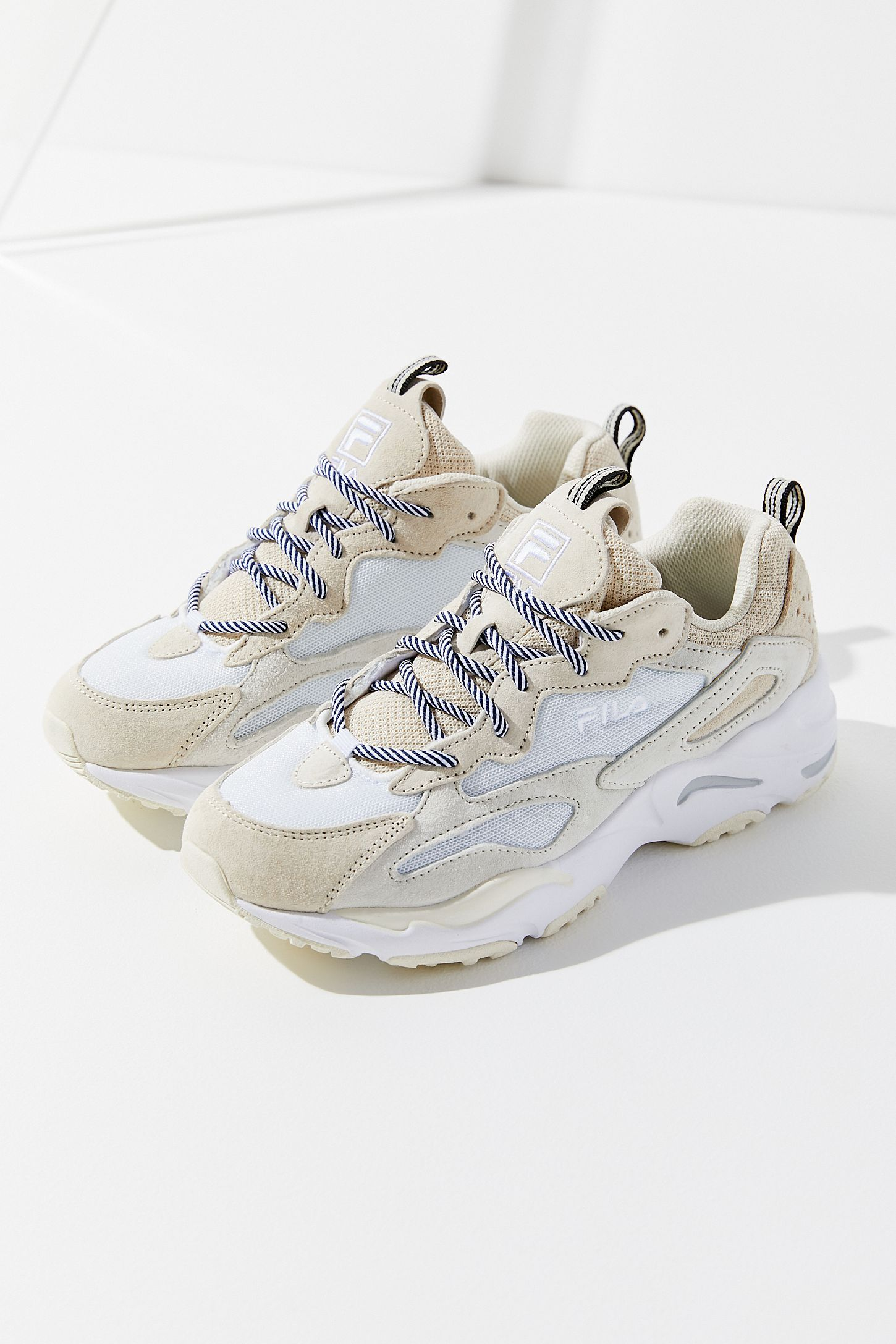 FILA Ray Tracer Sneaker | Urban Outfitters | Giầy sneaker nữ ...