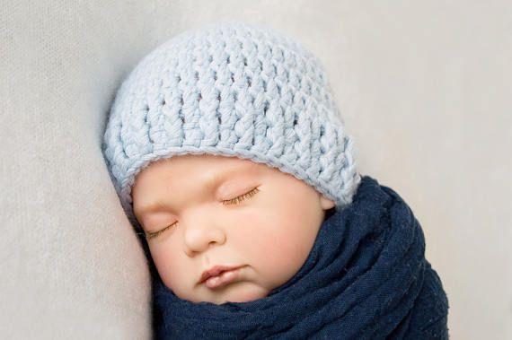 316978c37d0 Bonnet bébé basique au crochet pour nouveau-né