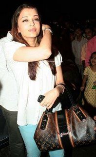 06255b114a3a20 Aishwarya Rai with a louis vuitton | Spring Closet | Louis vuitton ...