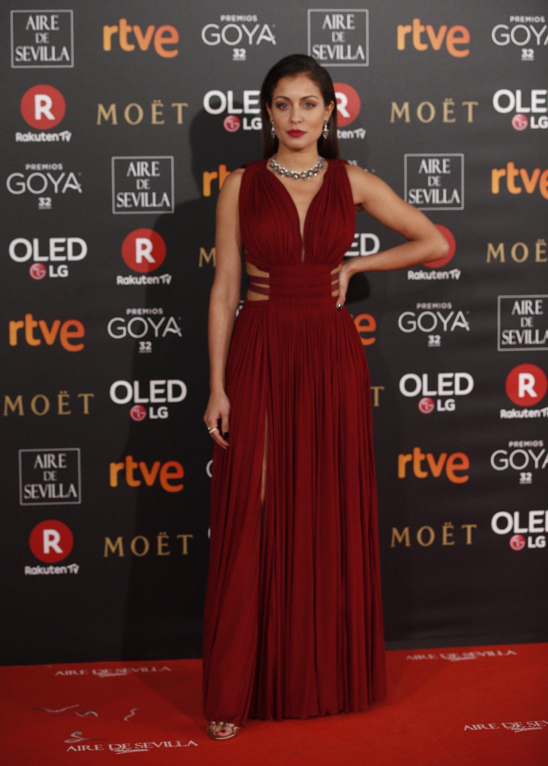 f7424d9e3 Todos los vestidos de la alfombra roja de los Premios Goya 2018. Hiba Abouk