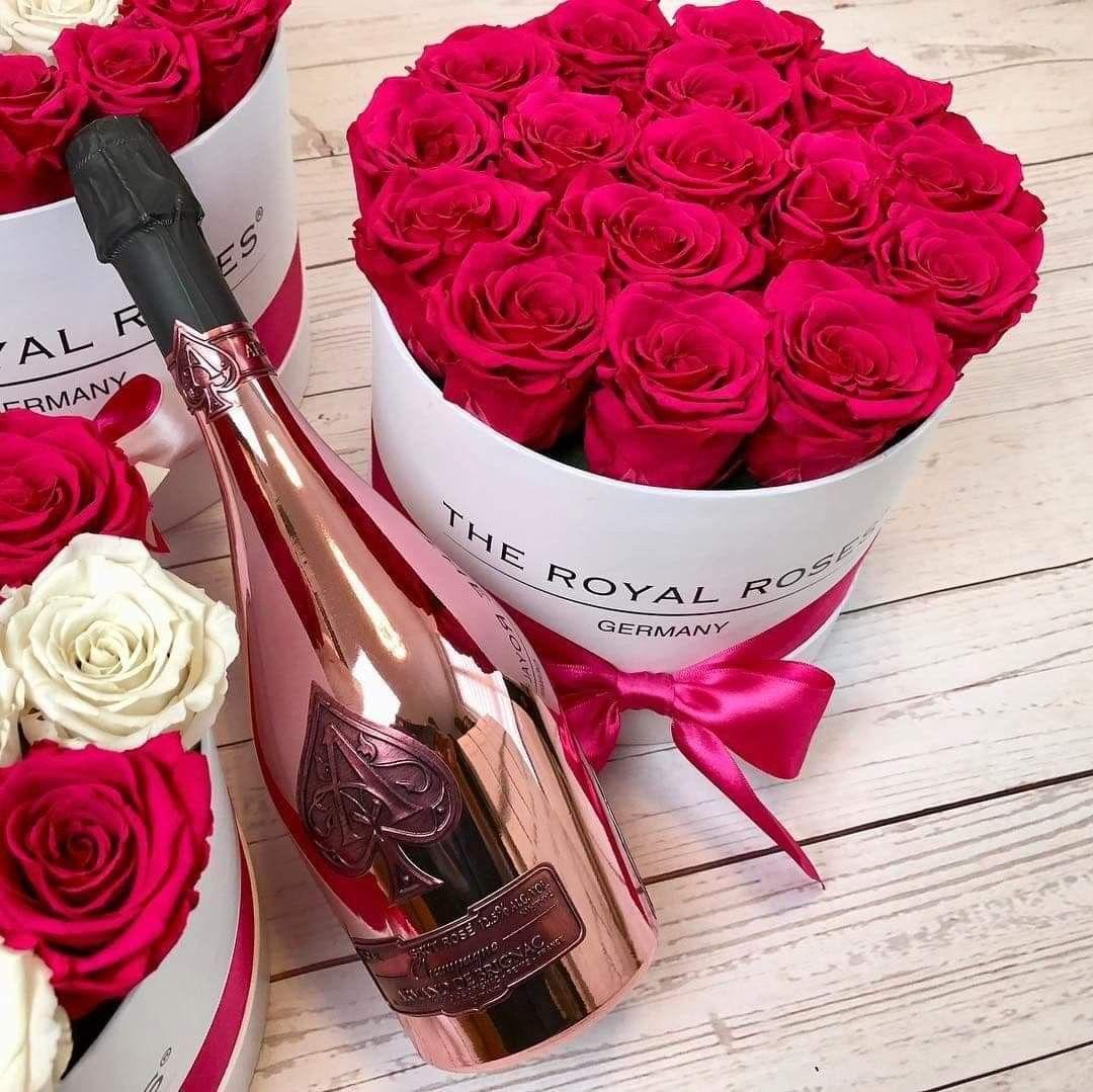 С днем рождения шампанское цветы картинки, открытки днем