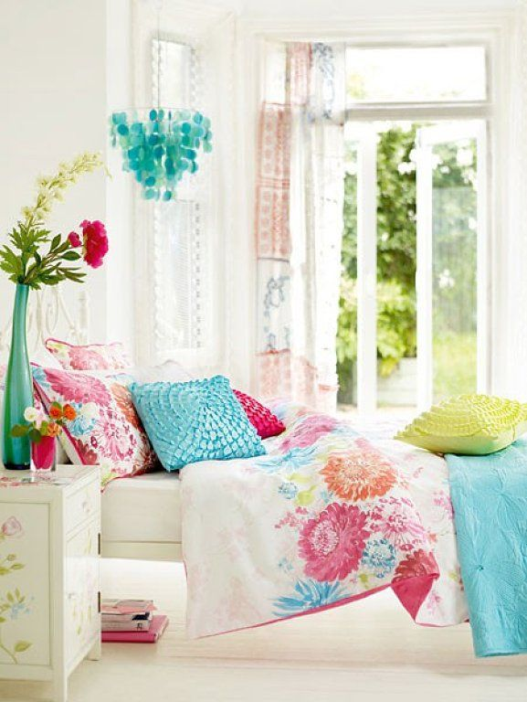 Vintage Style Teen Girls Bedroom Ideas   Love The Fresh Colour And The  Bright Airy Feel. I Think You Would Feel Good Waking Up In This Room.