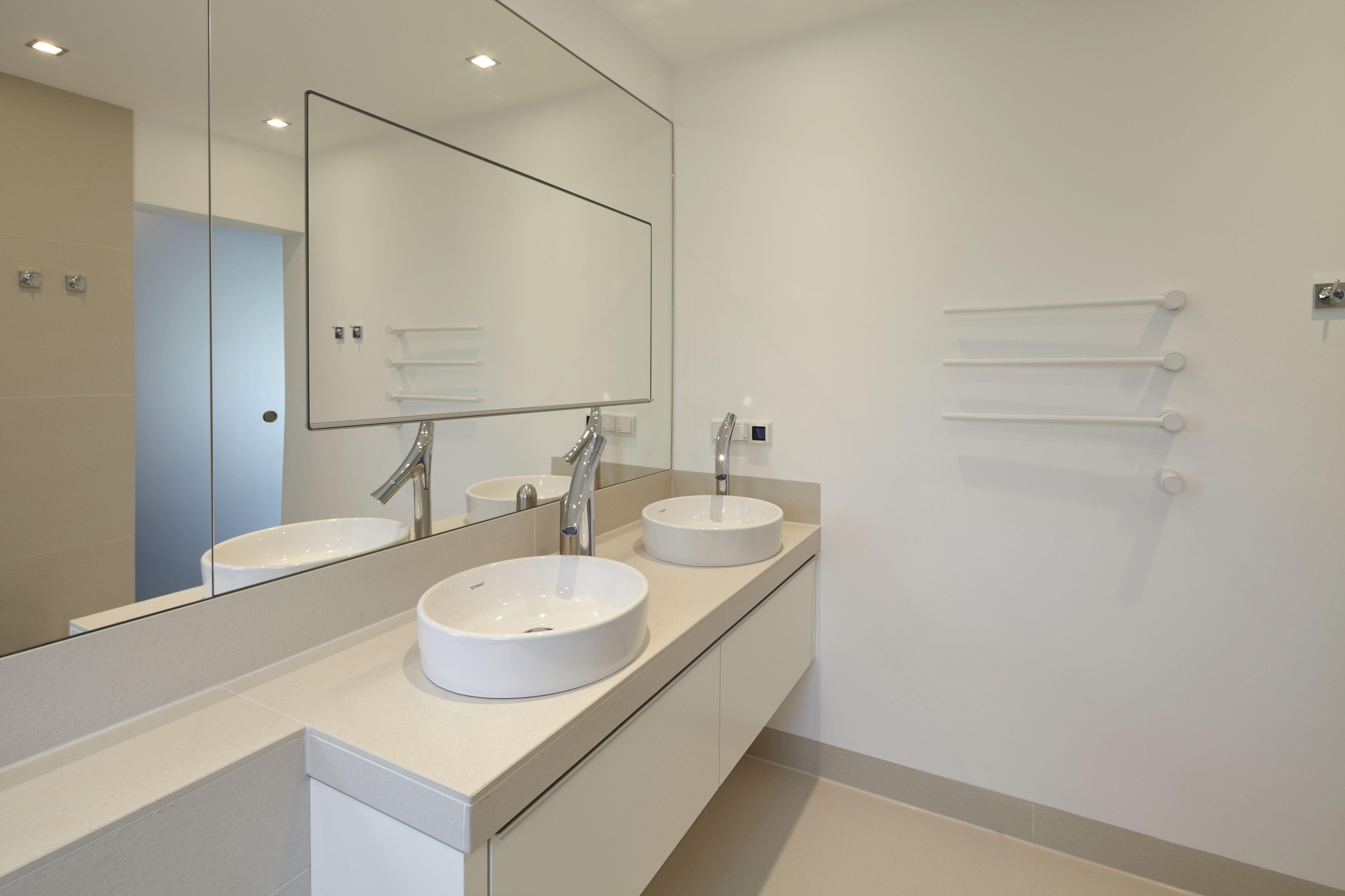 Badezimmer design beleuchtung modernes bad in der landhausvilla in nrw  hochwertige sanierung und