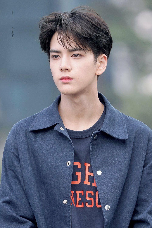 The Boyz Younghoon In 2020 My Handsome Man Pretty Boys Cute Little Girls