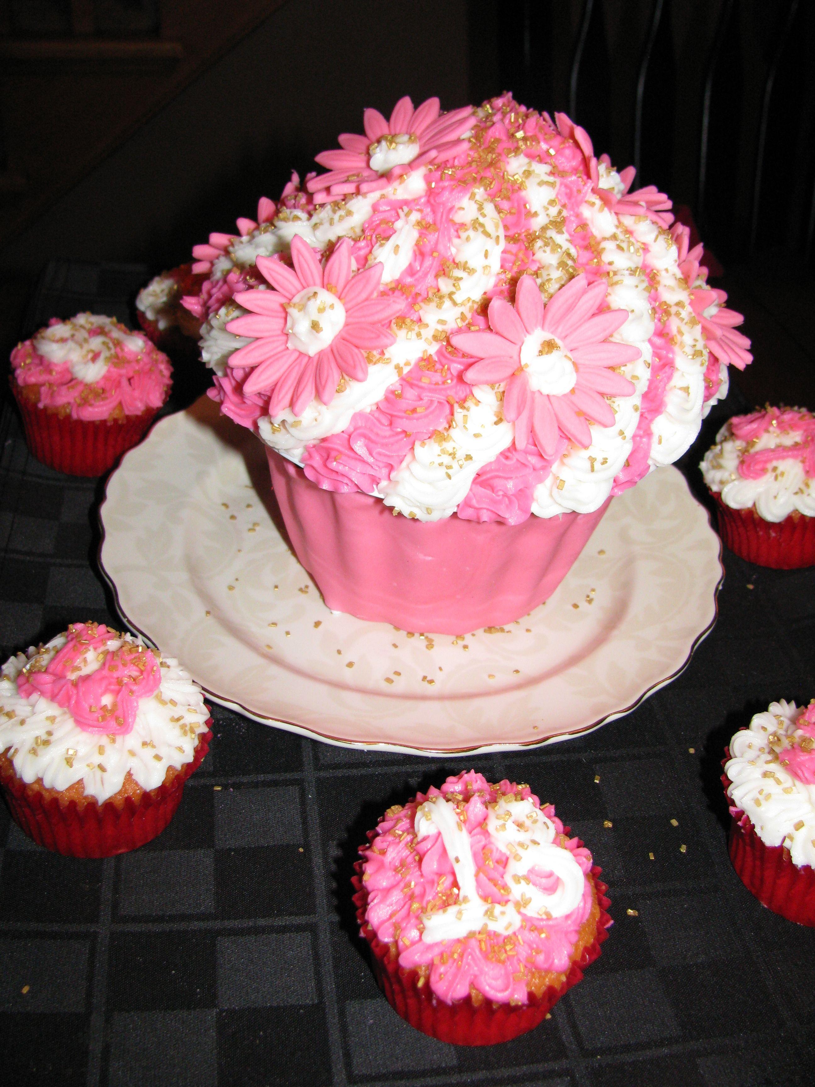 Shantels 18th Birthday Cake My Cake Creations Pinterest 18th