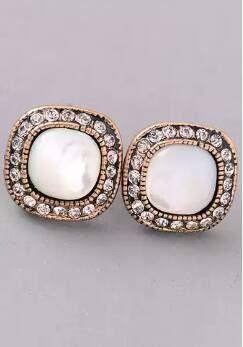 White Round Stud Earrings ($8.00)