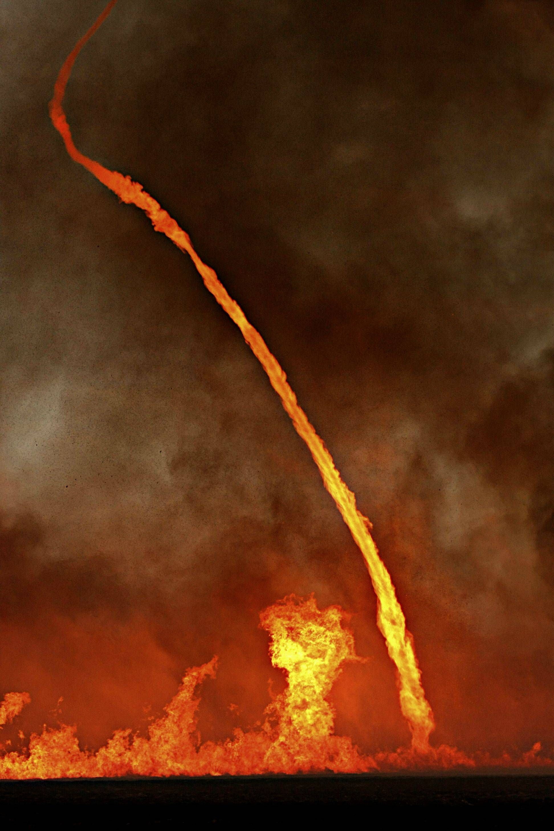 Oh Australia Fire Tornadoes Really You Crazy Pinteres - This slow motion fire tornado is the coolest thing youll see all day