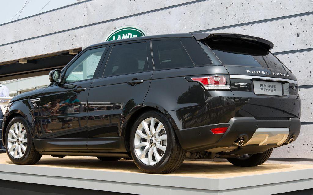 New Black (Causeway Grey) Range Rover Sport HSE Dynamic