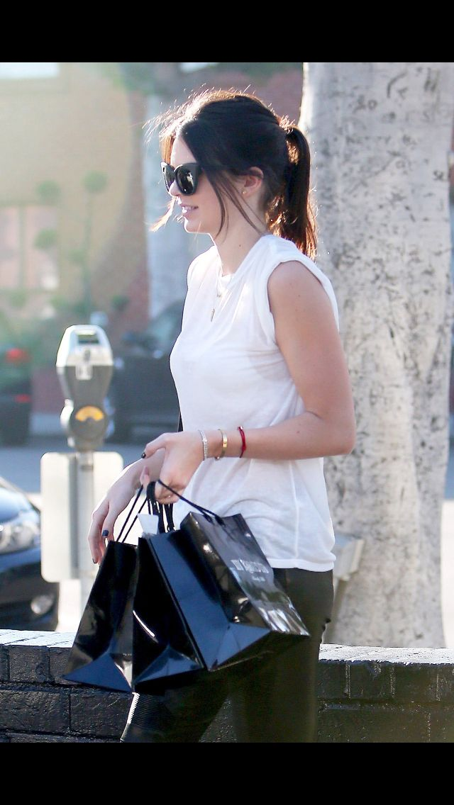 12.22.14: Kendall out and about in Beverly Hills