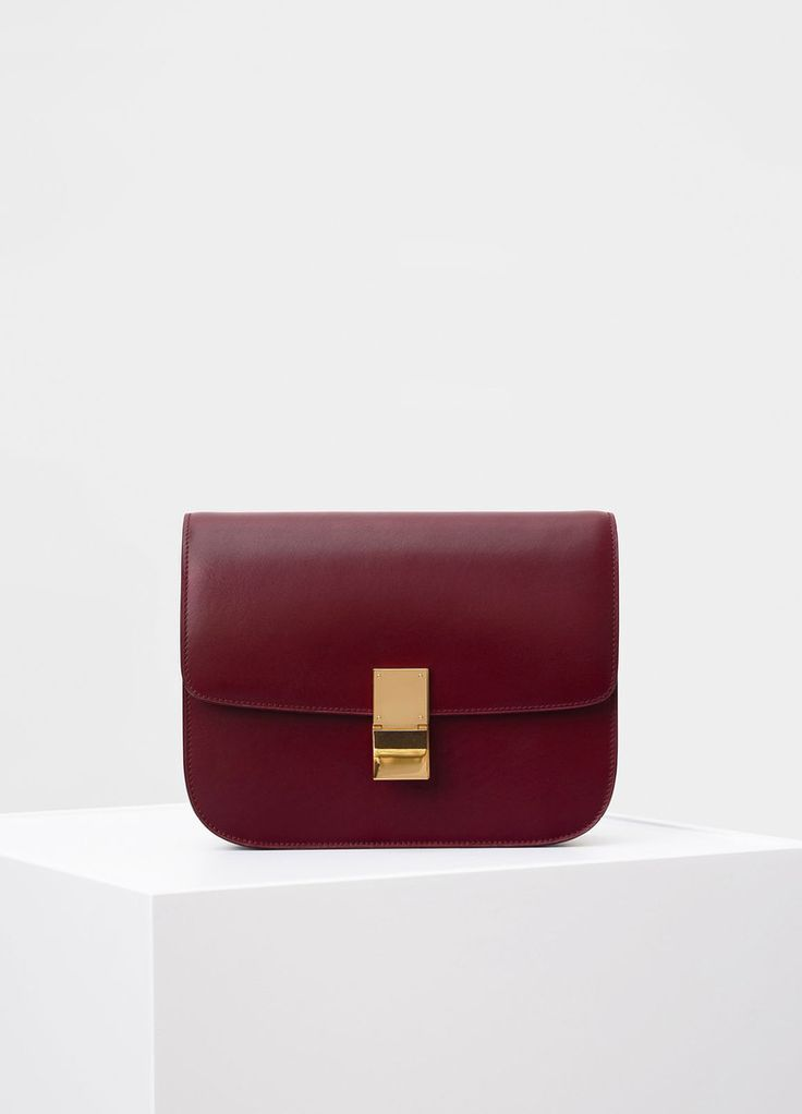 Medium Classic Shoulder Bag in Box Calfskin - Céline  5e35089969349
