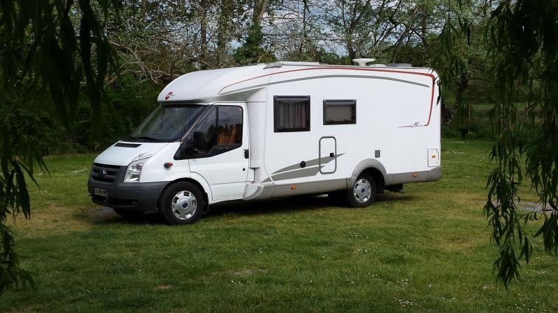 Porteur ford transit location camping car profil salon de provence 13300 camping car - Camping car salon de provence ...