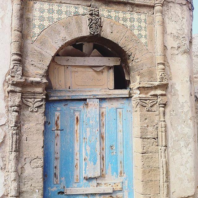 moroccan door, essaouira