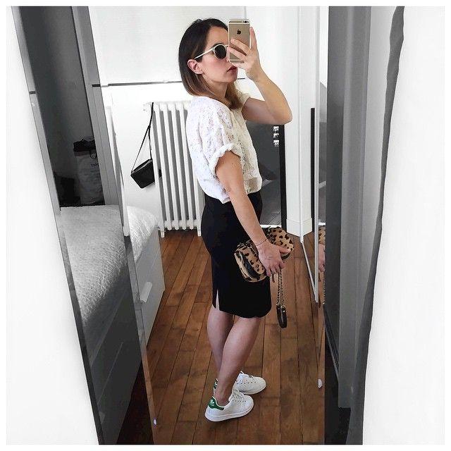 Avoir des nouvelles Stan toutes blanches --> Devenir encore plus accro! • Sunglasses #pantosparis (on @pantosparis) • Lace Top #leonandharper (on @leonandharper) • Skirt #americanretro (on @shopnextdoor) • Bag #jeromedreyfuss • Sneakers #stansmith (on @adidas.fr) ...