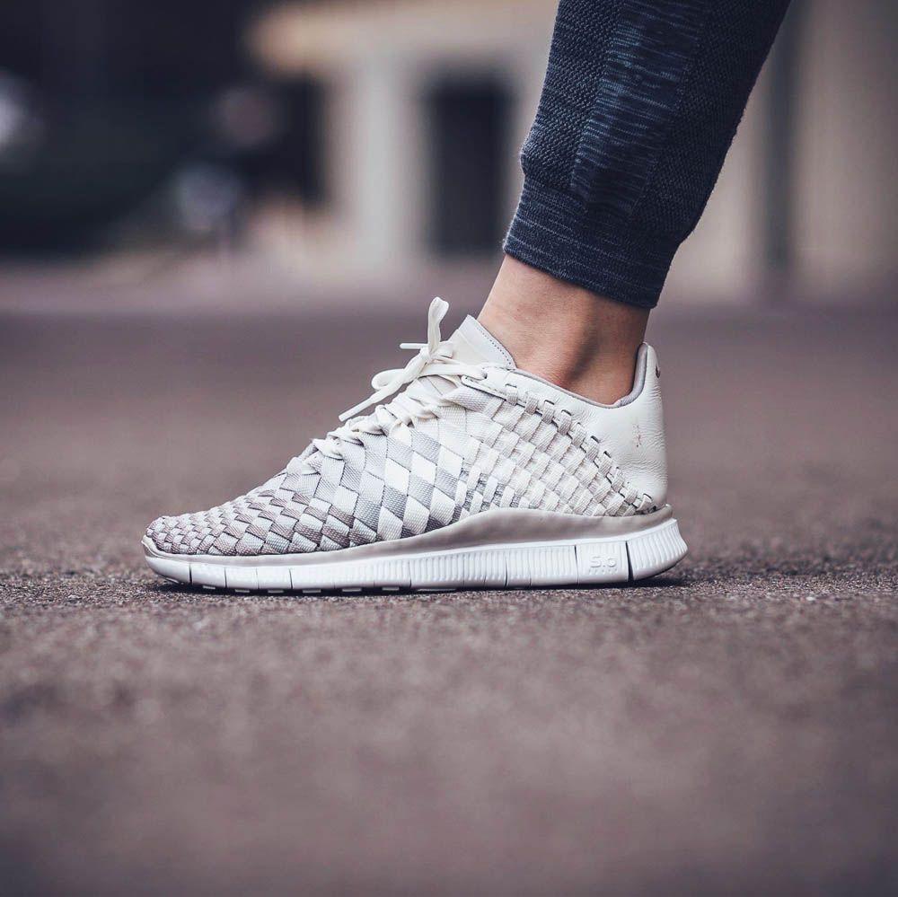 NIKE w Free Inneva Woven Sail Bone | Sneakers, Nike