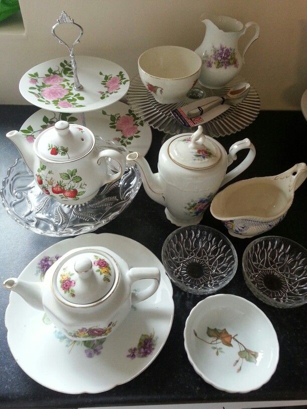 Crockery for another table