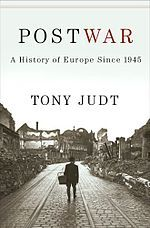 Immens llibre (en tots els sentits) i realment amè que ens apropa a la història d'Europa de la 2a meitat del segle XX (versionat també en castellà)