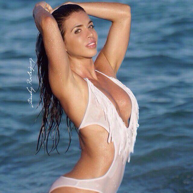 Hot Wet Bikini Models