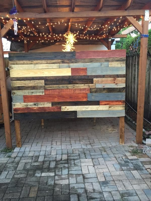 upcycled-colorful-pallet-headboard-with-reading-lights.jpg 600×800 pixels