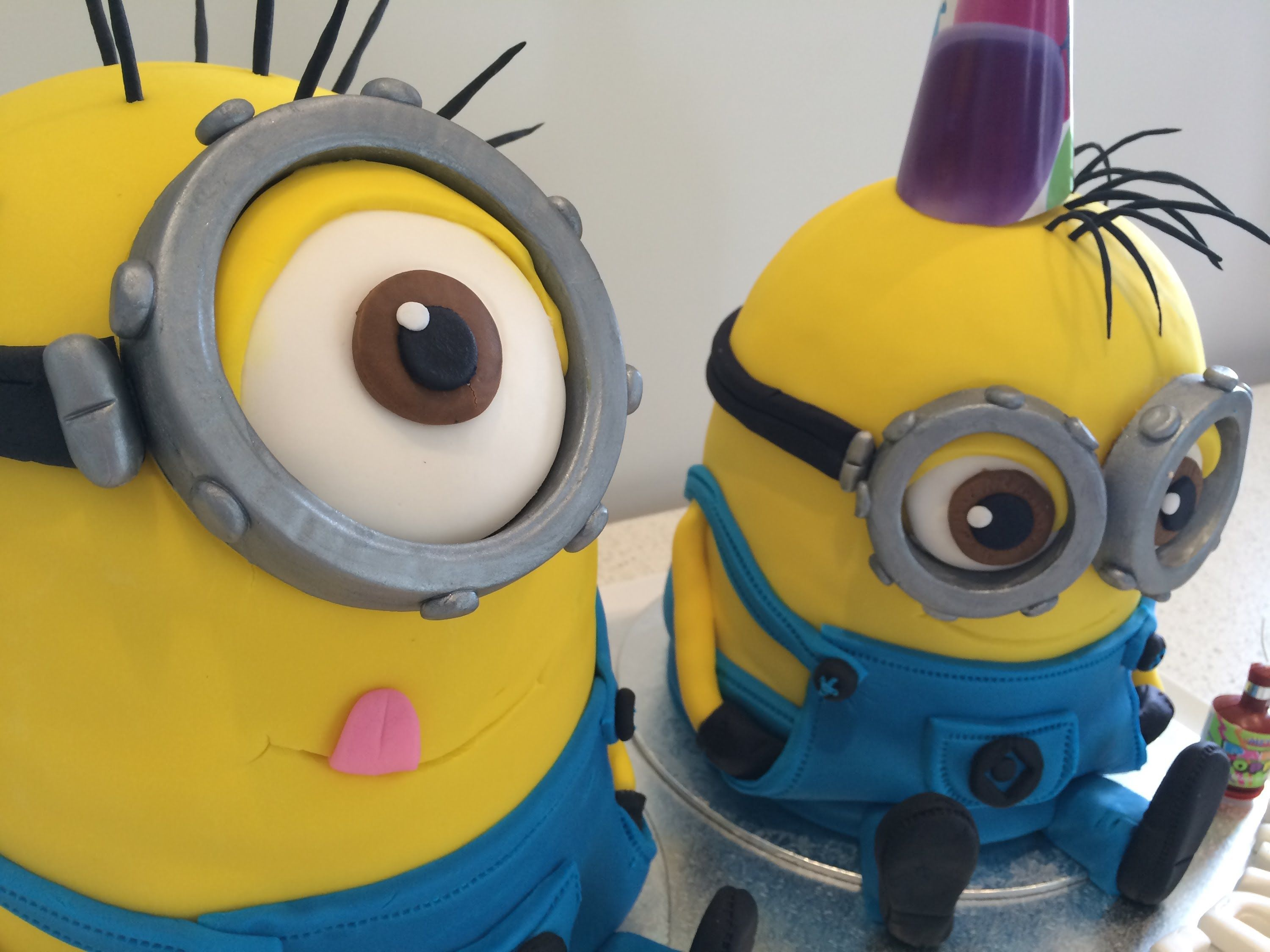 How to make a Despicable Me 2 Minion Cake step by step tutorial ~ Part 2