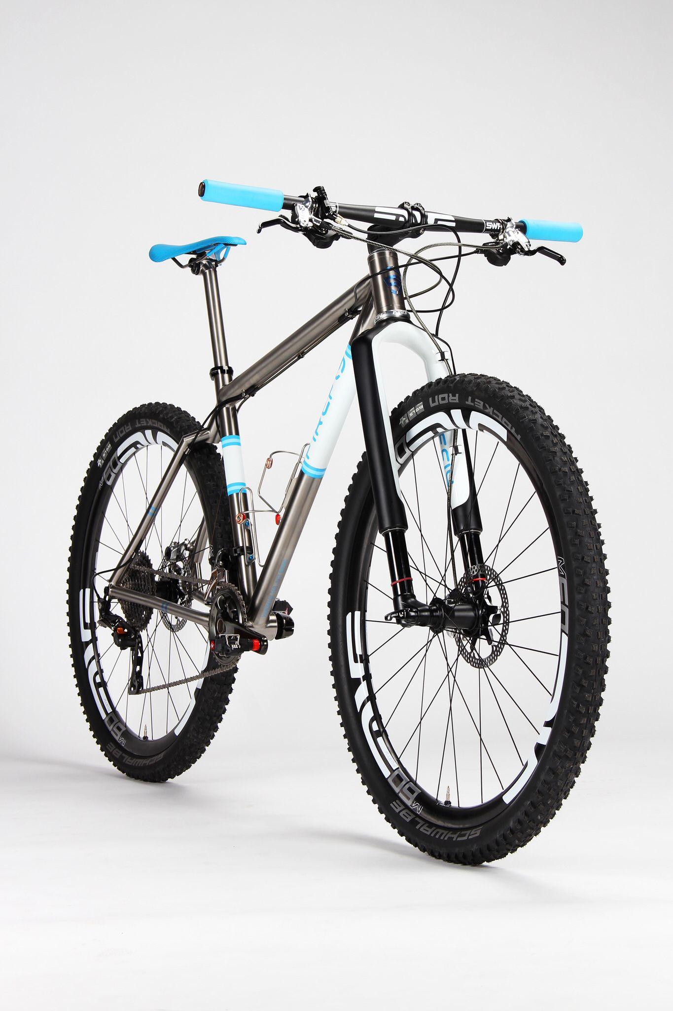 4d1895edbad FF-402-Studio-2 | Cosas para comprar | Ciclismo, Bici y Bicicletas btt