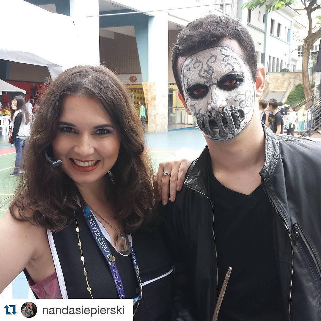 A Evie Dee Cosmetics esteve presente no festival Heroes em Belo Horizonte. Da uma olhadinha o que o pessoal de lá criou com vários produtos da nossa loja . Arrasaram meninas!  #Repost @nandasiepierski with @repostapp.  Hoje foi dia de @heroesfestival e teve workshop de maquiagem cosplay -  a primeira maquiagem de hoje foi de Rodolfo Lestrange no @viniciusarvelos - #comensaldamorte #deatheater #harrypotter #maquiagem #makeup #maquiadora #makeupartist #fotd #cosplay #cosplaybrasil #cosplaybr…
