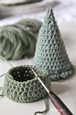 1 ✴ Häkeltannen für ein Winterwunderland * Crocheted firs for your winter wonderland