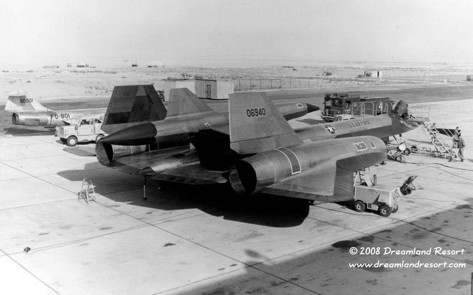 Area 51 During Project Oxcart In The 1960 S Aircraft Military Aircraft Black Bird